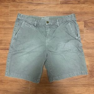 American Eagle Men's Grey Size 38 Shorts!